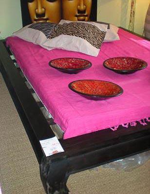 opium bed la case d co. Black Bedroom Furniture Sets. Home Design Ideas
